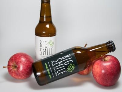 BigSmile | Tag und Nacht liegend mit Apfel